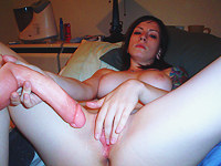 My emo gf likes showing her pussy