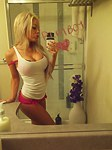 Selfshooting teens with tight bodies