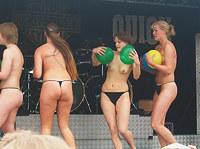 Teens playing like wild on ameteur pics