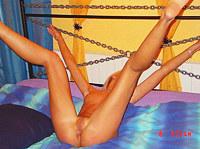 Voluptuous vixen provides nude show