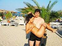Young couple's stolen vacation sex pics