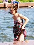 Tattoed lady no panty up skirt