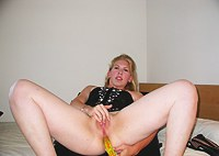Chubby blonde is masturbating her pussy