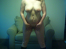 Chubby sexy babe posing naked